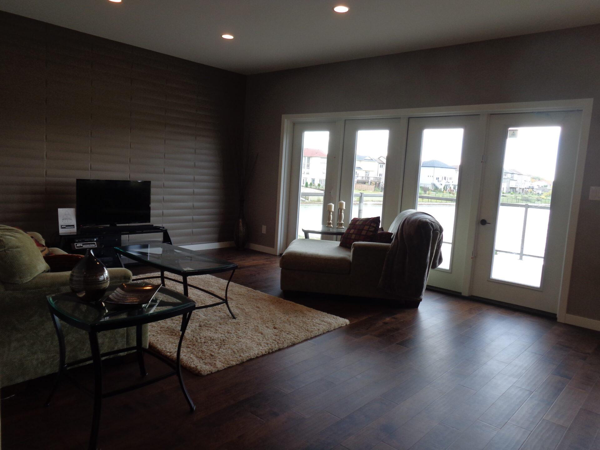 Fort Garry - Living Room